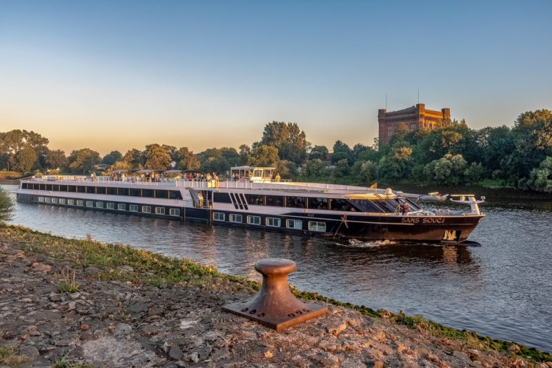 Flusskreuzfahrtschiff