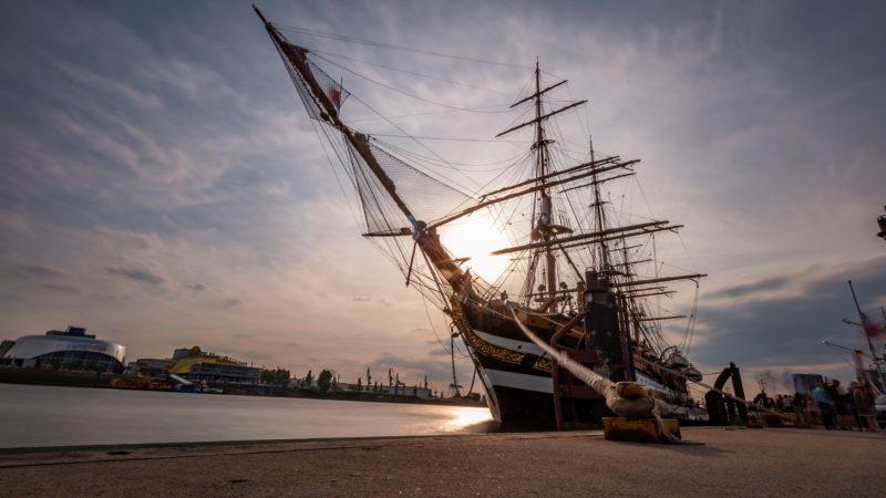 Segelschiff-Hamburg-Windjammer